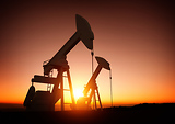 Crashing oil prices hit former Texas boomtowns